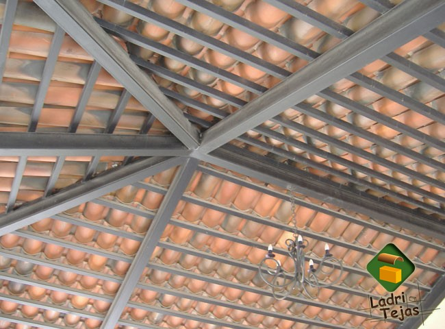 Ladrillera industrial agua caliente for Techos de teja para terrazas